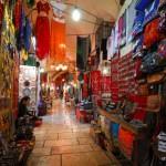 Basar in einer Altstadtgasse von Jerusalem   Базар в Старом Городе