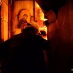 Gläubige vor dem Heiligen Grab | Паломники у входа в Кувуклию