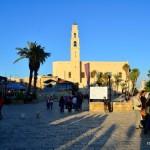 Platz vor der St. Peter-Kirche   Площадь перд церковью святого Петра